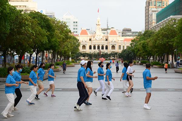 Sau cách ly, Sài Gòn vẫn còn nghỉ ngơi yên bình lạ thường - Ảnh 4.
