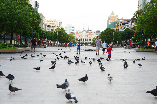 Sau cách ly, Sài Gòn vẫn còn nghỉ ngơi yên bình lạ thường - Ảnh 8.